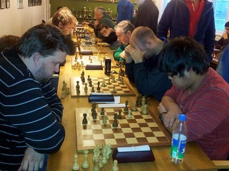 Ole Jacob Johnsen vant igjen gruppe B. Her til venstre mot Petter Martin Hestvik.