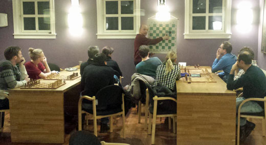 Undervisning i våre lokaler med IM Petter Haugli. Foto: Tarjei J. Svensen