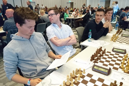 Mathias Nesheim vs GM Einar Gausel i første runde i Stavanger