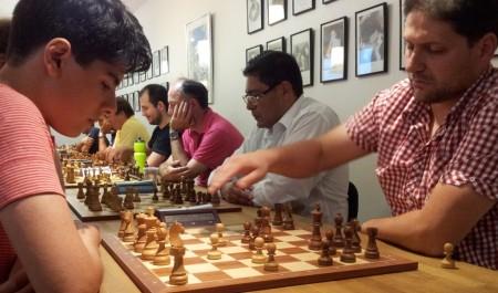 Aryan Tari slo Kaloyan Kostadinov i kveldens sommerlyn og endte likt på 11,5/13 poeng. Foto: Tarjei J. Svensen