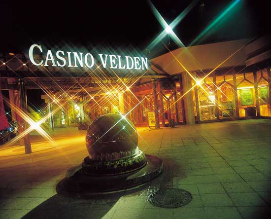 casino-bei-nacht