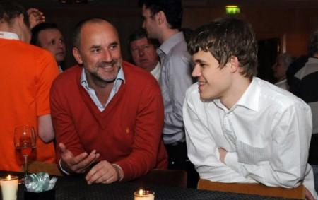 Espen Agdestein og Magnus Carlsen