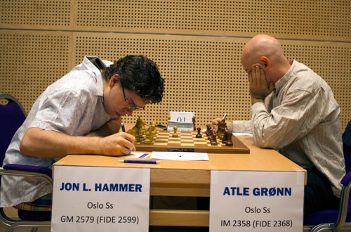 Atle tapte for Jon Ludvig i 5.runde. Foto: Bjørn Berg Johansen