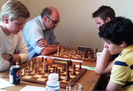 Aryan Tari med vakkert tårnoffer mot Lars Oskar Hauge.