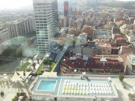 Enda et bilde fra hotelltaket ned til et annet hotelltak. Noen er heldige.