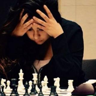 Kimiya Sajjadi glitrer på brettet.