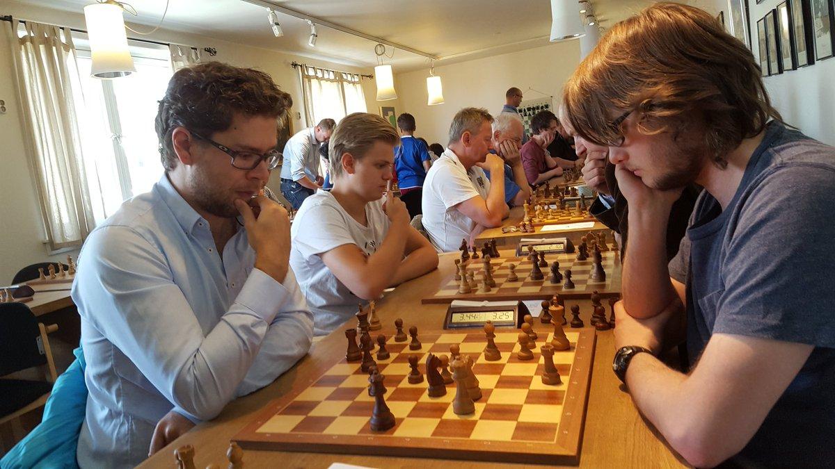 Jon Ludvig Hammer vant alle partiene, inkludert over landslagskollega Frode Urkedal.
